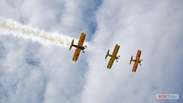 Stearman N54173 and Andreas Hotea flying in Formation-4